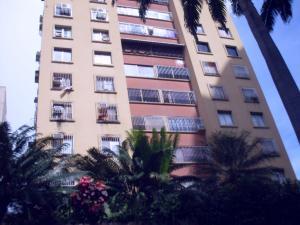 Apartamento En Venta En Valencia, Las Chimeneas, Venezuela, VE RAH: 17-12427