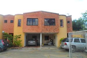 Townhouse En Ventaen Valencia, La Entrada, Venezuela, VE RAH: 17-12437