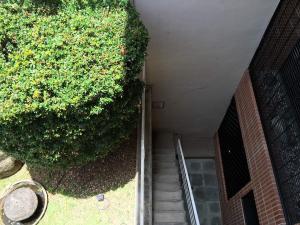 En Venta En Caracas - Lomas de La Alameda Código FLEX: 17-12467 No.16