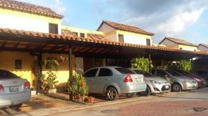 Townhouse En Ventaen Municipio Naguanagua, Tazajal, Venezuela, VE RAH: 17-12671