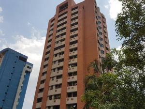Apartamento En Ventaen Valencia, El Bosque, Venezuela, VE RAH: 17-12582
