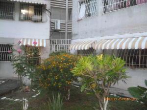 Apartamento En Ventaen La Victoria, Las Mercedes, Venezuela, VE RAH: 17-12581