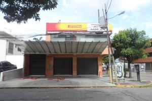Local Comercial En Ventaen Valencia, Avenida Bolivar Norte, Venezuela, VE RAH: 17-12670