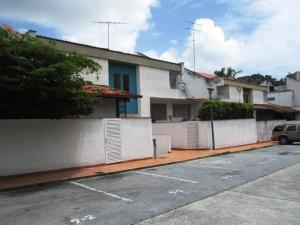 Townhouse En Ventaen Caracas, La Boyera, Venezuela, VE RAH: 17-12991