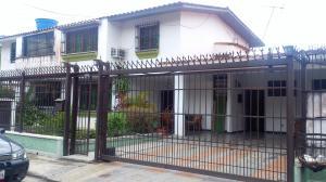 Casa En Ventaen Municipio Naguanagua, La Campina I, Venezuela, VE RAH: 17-13108