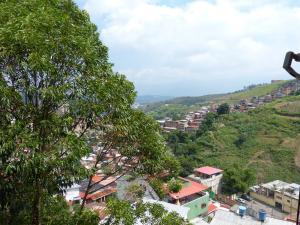 En Venta En Caracas - Monte Alto Código FLEX: 17-12719 No.9