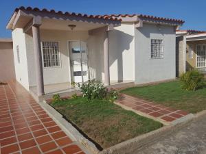 Casa En Ventaen Punto Fijo, Dona Emilia, Venezuela, VE RAH: 17-12694