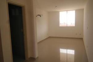 Apartamento En Venta En Catia La Mar - Playa Grande Código FLEX: 17-12742 No.1