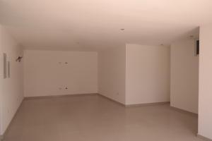 Apartamento En Venta En Catia La Mar - Playa Grande Código FLEX: 17-12742 No.6