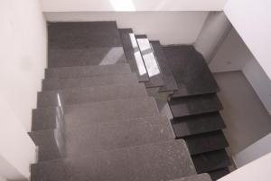 Apartamento En Venta En Catia La Mar - Playa Grande Código FLEX: 17-12742 No.14