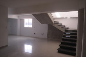Apartamento En Venta En Catia La Mar - Playa Grande Código FLEX: 17-12742 No.17