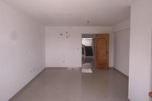 Apartamento En Venta En Catia La Mar - Playa Grande Código FLEX: 17-12742 No.9