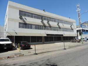Local Comercial En Alquileren Caracas, La Urbina, Venezuela, VE RAH: 17-12745