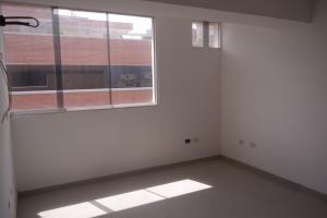 Apartamento En Venta En Catia La Mar - Playa Grande Código FLEX: 17-12742 No.16