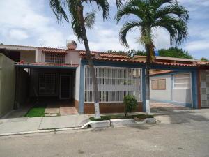Casa En Ventaen Barquisimeto, Parroquia Santa Rosa, Venezuela, VE RAH: 17-12754