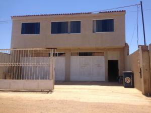 Edificio En Ventaen Punto Fijo, Puerta Maraven, Venezuela, VE RAH: 17-12766