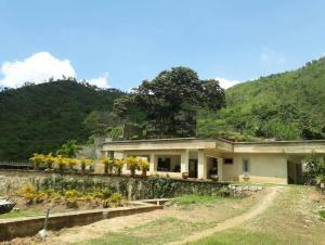 Terreno En Ventaen Maracay, Lomas De Palmarito, Venezuela, VE RAH: 17-11089