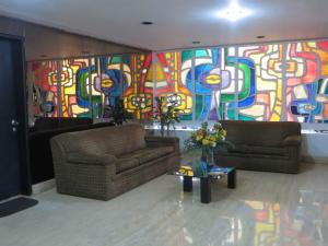 Apartamento En Venta En Caracas - El Marques Código FLEX: 17-13228 No.2