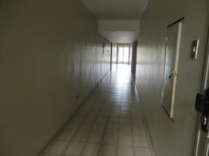 Apartamento En Venta En Caracas - El Marques Código FLEX: 17-13228 No.3