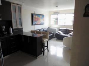 Apartamento En Venta En Caracas - Miravila Código FLEX: 17-12823 No.2