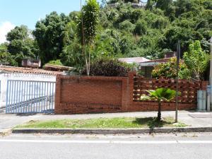 Terreno En Ventaen Caracas, Santa Ines, Venezuela, VE RAH: 17-12933
