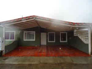 Casa En Ventaen Acarigua, Bosques De Camorucos, Venezuela, VE RAH: 17-12961