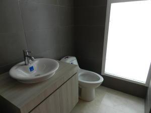 Apartamento En Venta En Caracas - Altamira Código FLEX: 16-6299 No.17