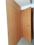Apartamento En Venta En Caracas - Altamira Código FLEX: 16-6298 No.14