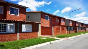Apartamento En Ventaen Higuerote, Conjunto Residencial Costa Grande Ii, Venezuela, VE RAH: 17-12985