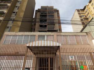 Apartamento En Ventaen Caracas, Parroquia Altagracia, Venezuela, VE RAH: 17-13025