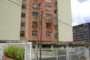 Apartamento En Ventaen San Antonio De Los Altos, El Picacho, Venezuela, VE RAH: 17-13036