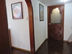 Apartamento En Venta En Caracas - El Marques Código FLEX: 17-13228 No.8