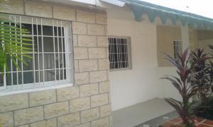 Townhouse En Ventaen Ciudad Ojeda, Campo Elias, Venezuela, VE RAH: 17-13094