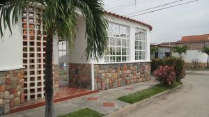 Casa En Ventaen Guacara, Ciudad Alianza, Venezuela, VE RAH: 17-13120