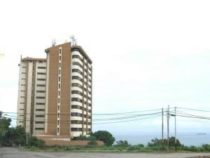Apartamento En Ventaen Catia La Mar, Playa Grande, Venezuela, VE RAH: 17-13082