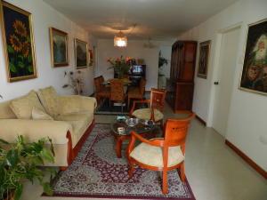 Apartamento En Venta En Caracas - Santa Rosa de Lima Código FLEX: 17-13244 No.5