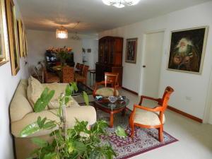 Apartamento En Venta En Caracas - Santa Rosa de Lima Código FLEX: 17-13244 No.6