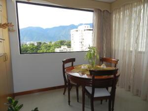 Apartamento En Venta En Caracas - Santa Rosa de Lima Código FLEX: 17-13244 No.10