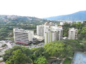 Apartamento En Venta En Caracas - Santa Rosa de Lima Código FLEX: 17-13244 No.11