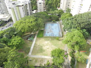Apartamento En Venta En Caracas - Santa Rosa de Lima Código FLEX: 17-13244 No.12