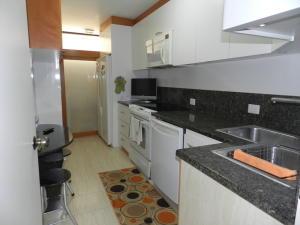 Apartamento En Venta En Caracas - Santa Rosa de Lima Código FLEX: 17-13244 No.14