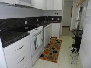 Apartamento En Venta En Caracas - Santa Rosa de Lima Código FLEX: 17-13244 No.15