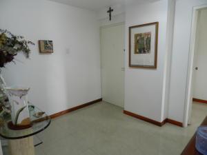 Apartamento En Venta En Caracas - Santa Rosa de Lima Código FLEX: 17-13244 No.2