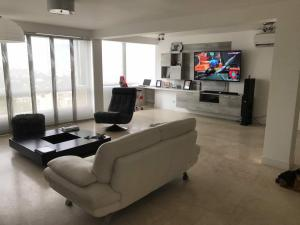 Apartamento En Venta En Caracas - Terrazas de Santa Ines Código FLEX: 17-13252 No.4