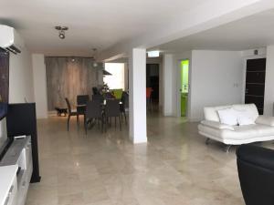 Apartamento En Venta En Caracas - Terrazas de Santa Ines Código FLEX: 17-13252 No.9