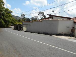 Casa En Ventaen Caracas, Los Guayabitos, Venezuela, VE RAH: 17-13538