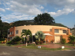 Casa En Ventaen Municipio San Diego, Villas De San Diego, Venezuela, VE RAH: 17-13164