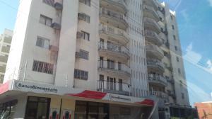 Apartamento En Ventaen Maracaibo, Paraiso, Venezuela, VE RAH: 17-13211