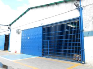 Galpon - Deposito En Ventaen Maracay, Zona Industrial Piñonal Sur, Venezuela, VE RAH: 17-13221