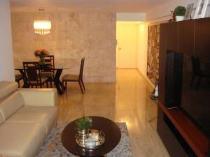 Apartamento En Venta En Caracas - El Cigarral Código FLEX: 17-13347 No.5